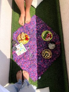 picnic pe balcon